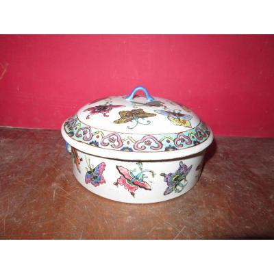 Soupière En Porcelaine De Chine, époque 19ème.
