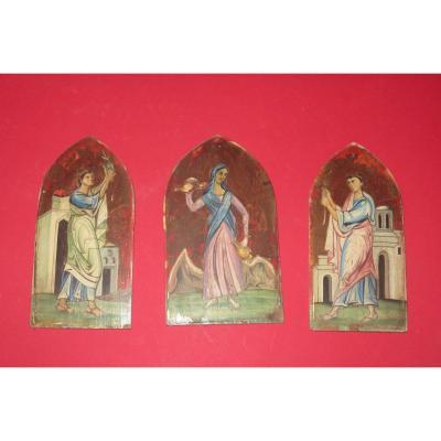Triptyque De Forme Gothique Sur Panneau De Bois,  époque 19ème.