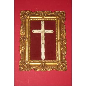 Christ Et Croix En Ivoire Sculpté, époque 19ème.