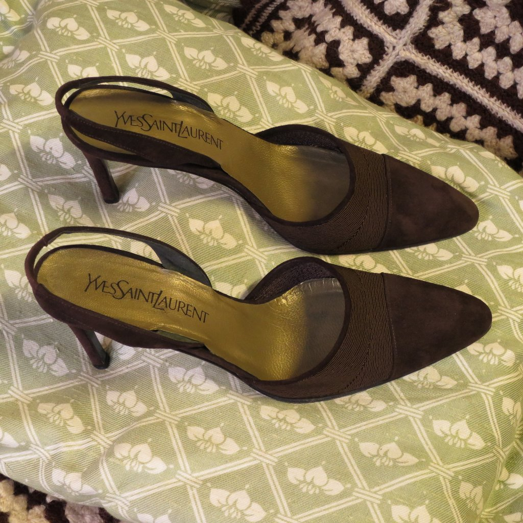 chaussures yves saint laurent vintage. Black Bedroom Furniture Sets. Home Design Ideas