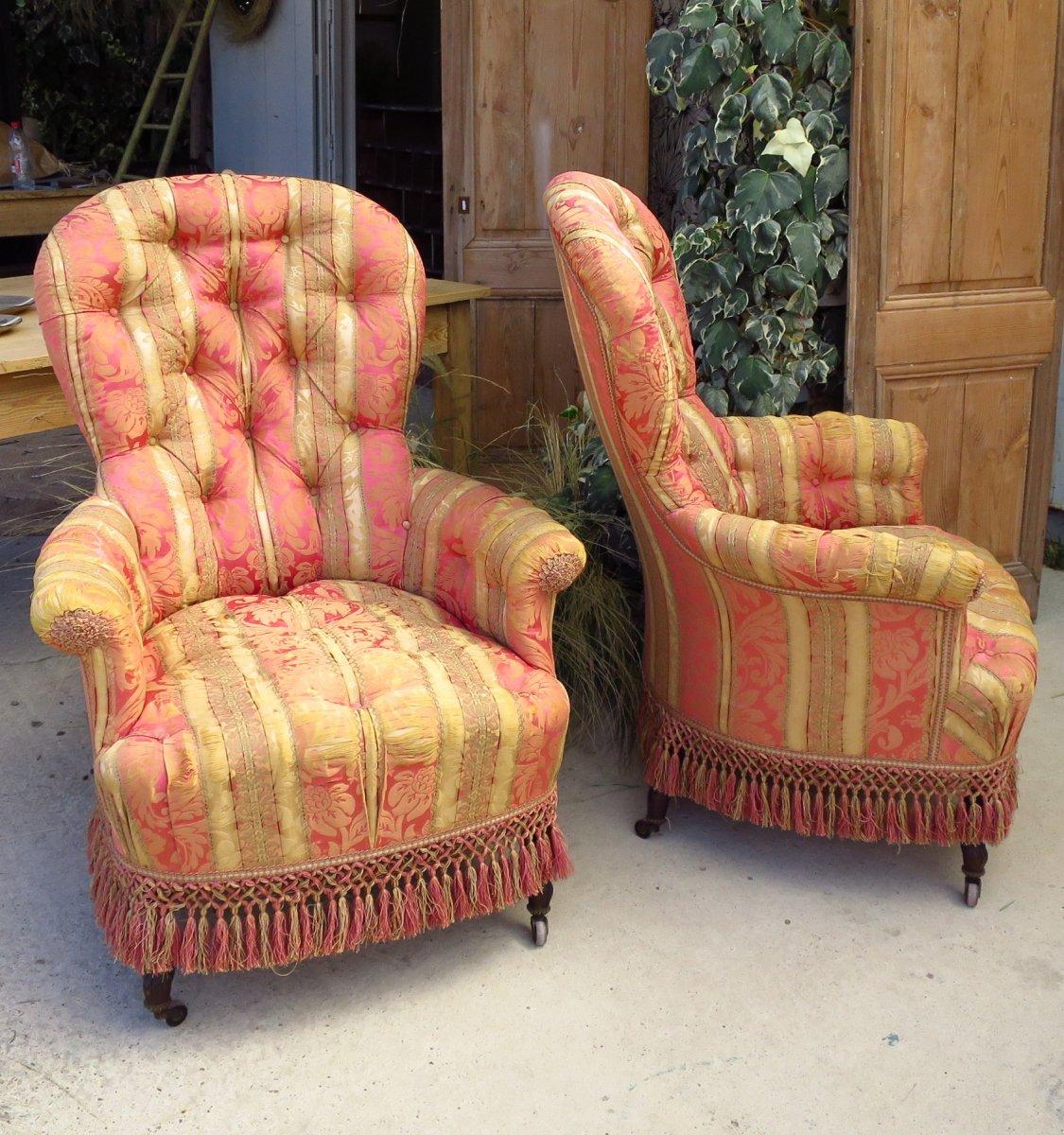 Paires de fauteuils Napolèon III capitonnés en soie
