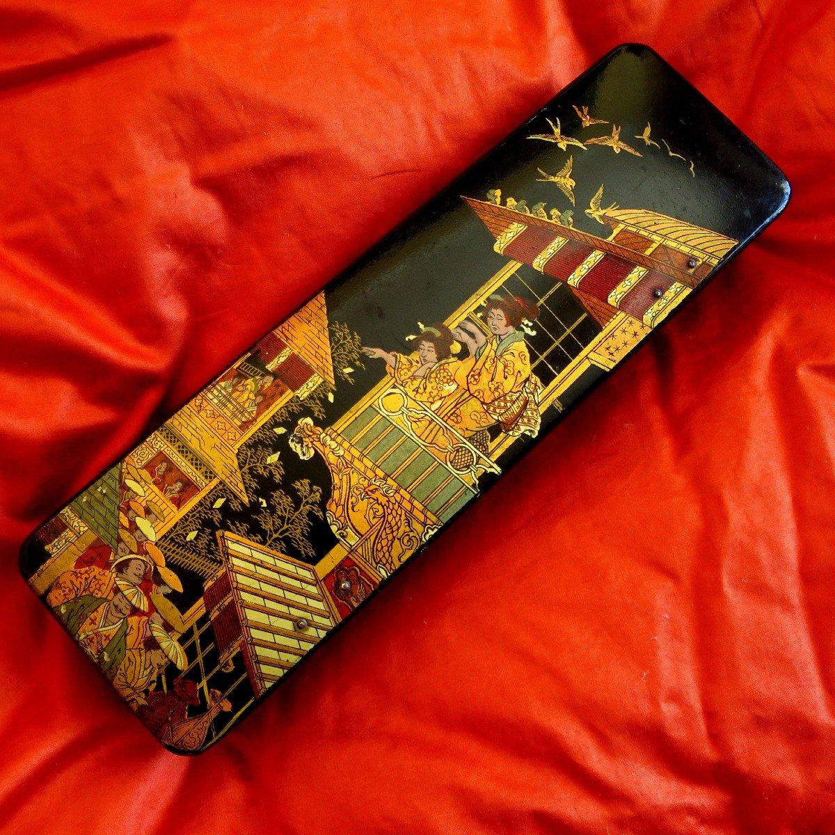 Napoleon III Glove Box With Chinese Decor In Boiled Cardboard