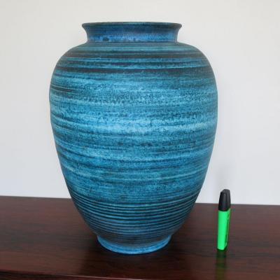 Grand vase Accolay bleu, série Gauloise circa 1960