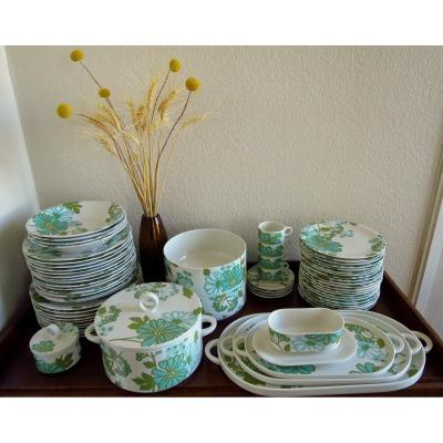 Scarlett Porcelain Table Service From Villeroy & Boch, Design Christine Reuter, 60 Pieces