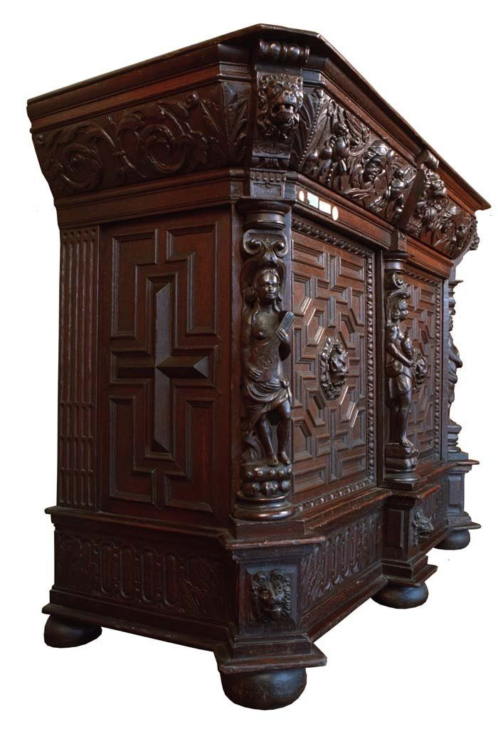 1600s German Buffet In Oak With Two Doors And A Drawer Under The Top-photo-3