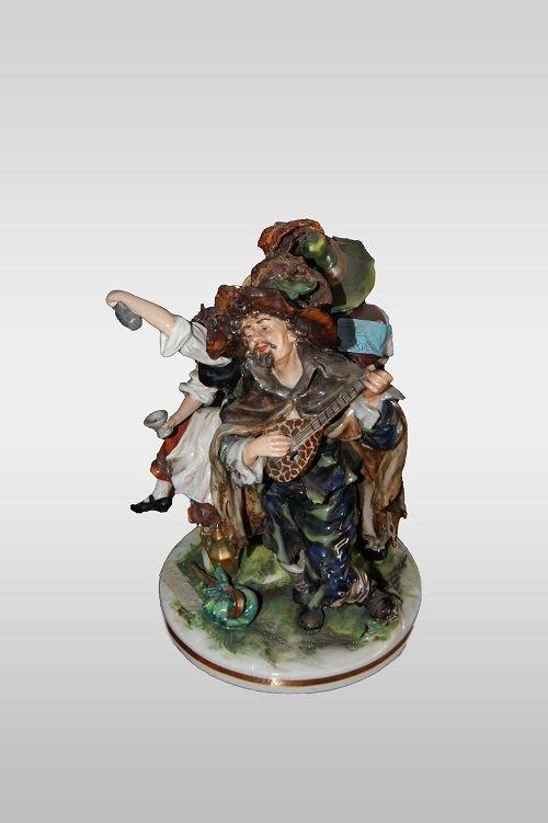 Sculpture En Porcelaine Italienne De Capodimonte Musiciens des annees 1800-photo-2