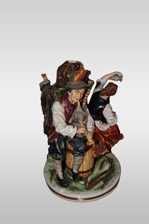 Sculpture En Porcelaine Italienne De Capodimonte Musiciens des annees 1800-photo-3