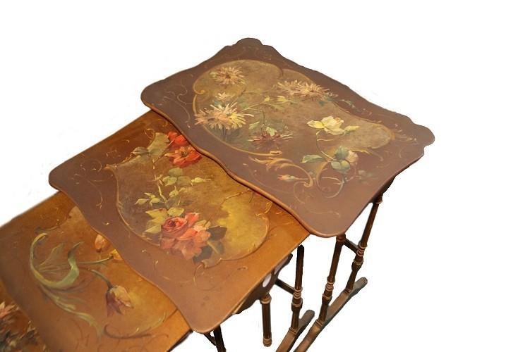 Tables d'Appoint Art Nouveau Avec Nid Peint-photo-2