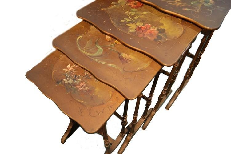 Tables d'Appoint Art Nouveau Avec Nid Peint-photo-3