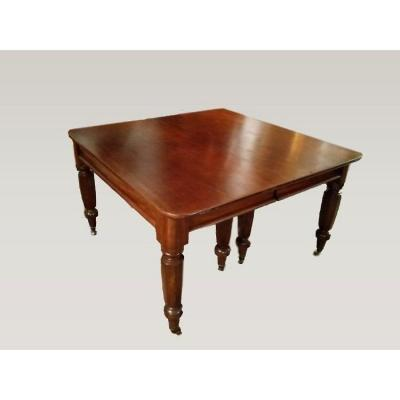 Extendable English Victorian Style Mahogany Table Del 1800