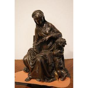 Sculpture En Bronze Représentant La Maternité Du XIXe Siècle