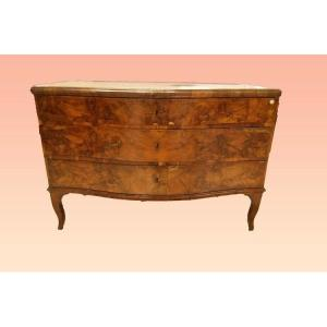 Italian Chest Of Drawers From The North Of Veneto From 1700 In Walnut Wood