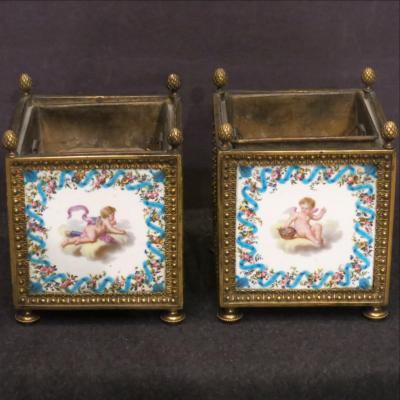 Paire de caisses à fleurs porcelaine et bronze circa 1800