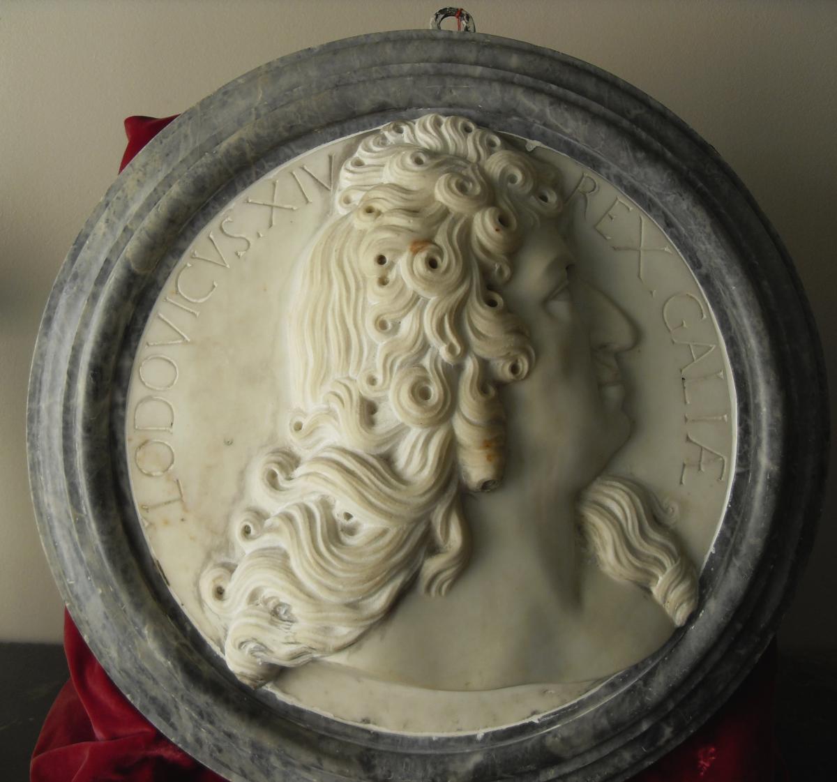 Sculpture En Marbre : Louis XIV