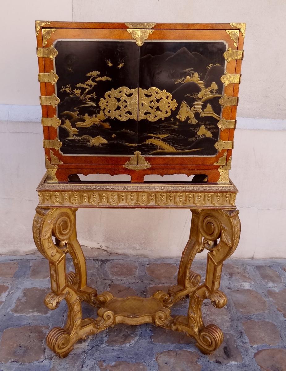 Cabinet 17e si cle en laque du japon cabinets for Meubles du japon