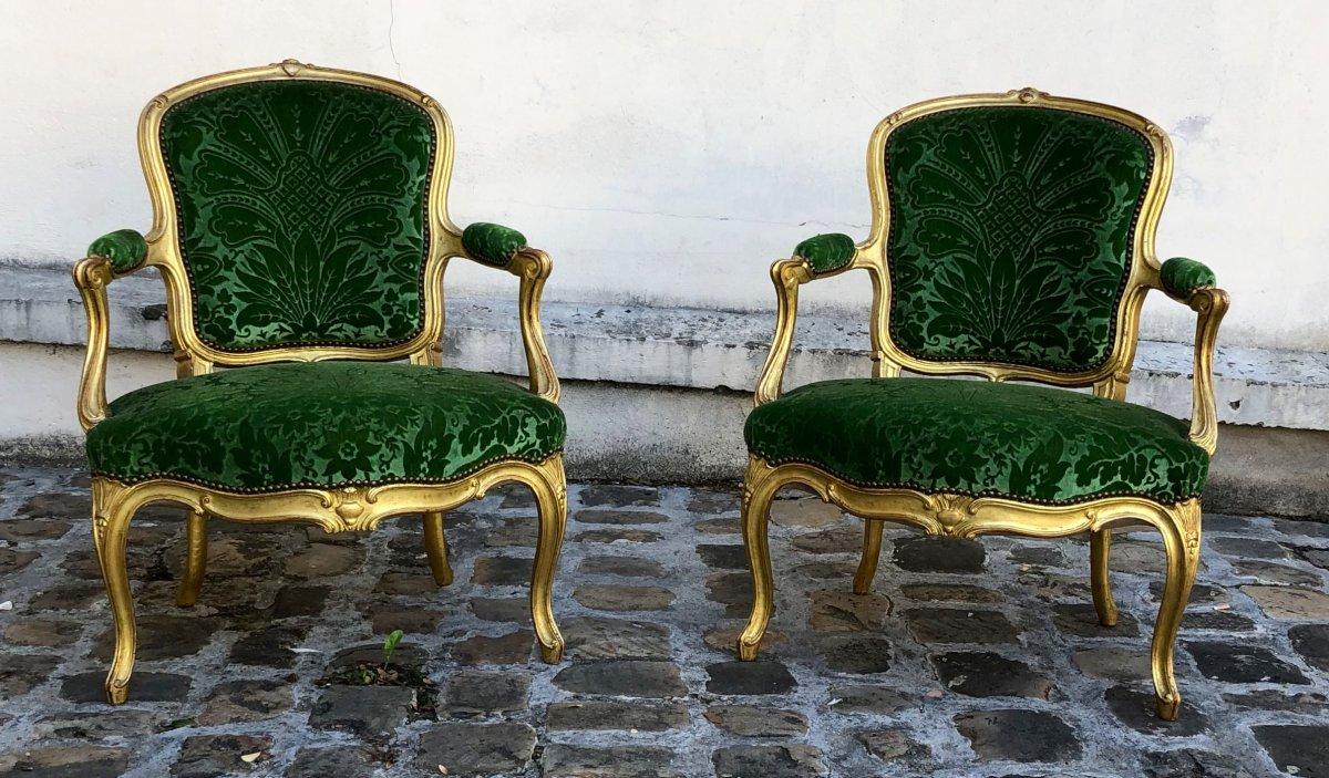 Paire De Fauteuils  Cabriolets  De Style Louis XV .