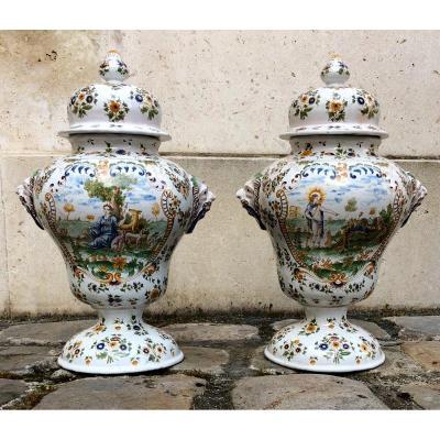 Moustiers. Paire De Vases