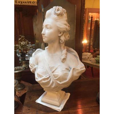Buste De Femme En Marbre De Carrare