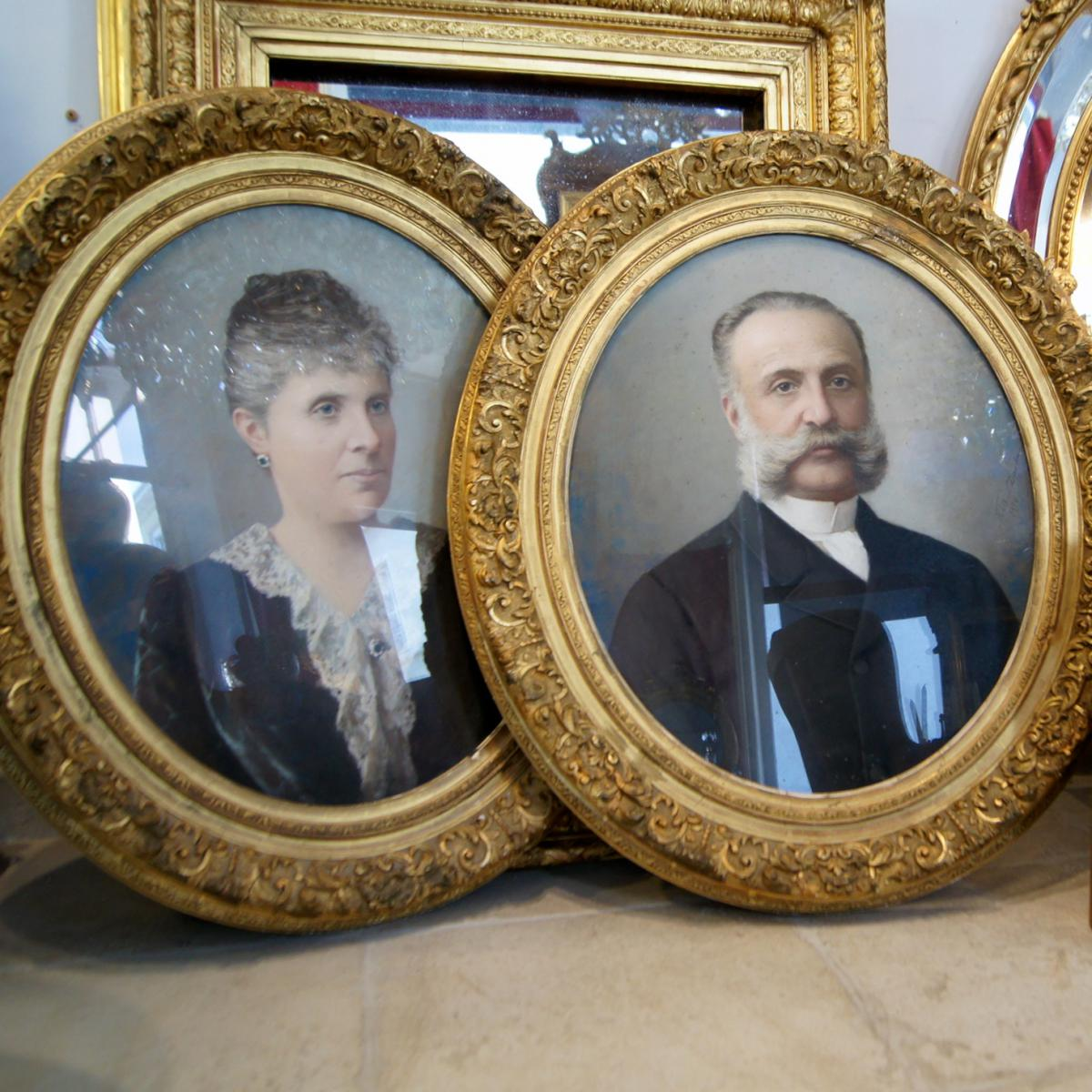 Paire De Portraits Pastel, Cadre Oval Doré XIXe