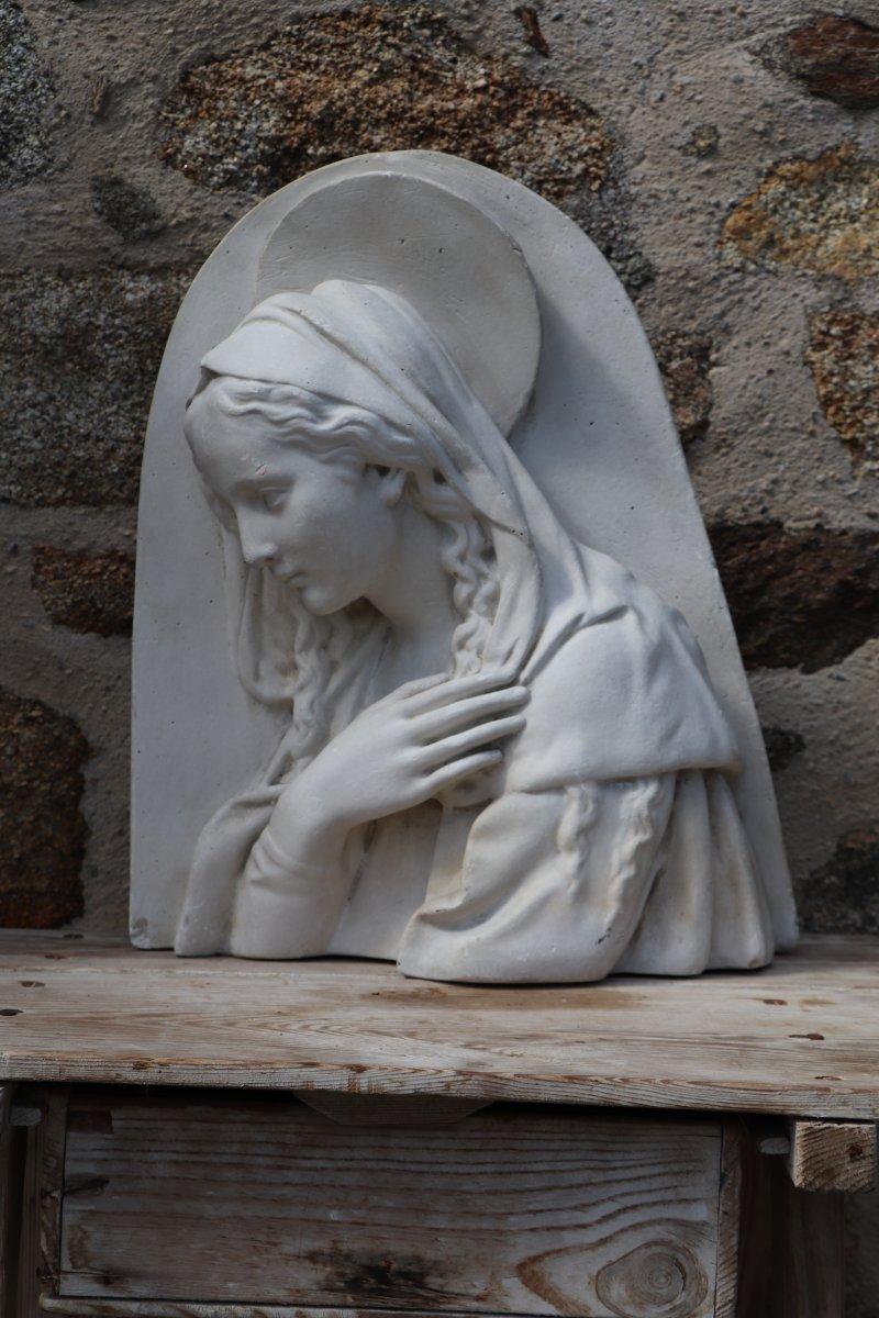 Sculpture bas-relief de la Sainte Vierge Marie En Plâtre Signée