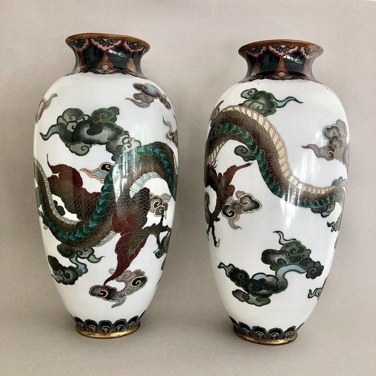 Paire de Vases en Emaux Cloisonnés Japon Période Meiji-photo-2