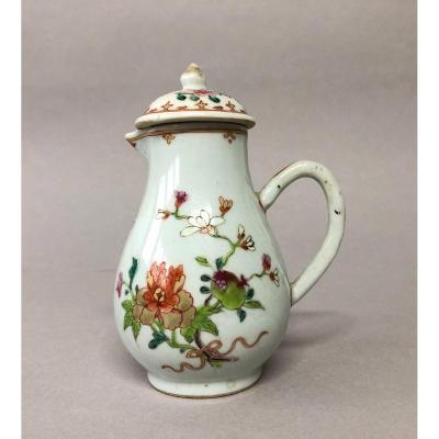 Verseuse en porcelaine de Chine Compagnie des Indes XVIII eme décor incisé