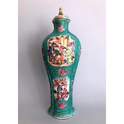 Vase Porcelaine Chine Canton Mandarin Fond Vert Qianlong 18 eme