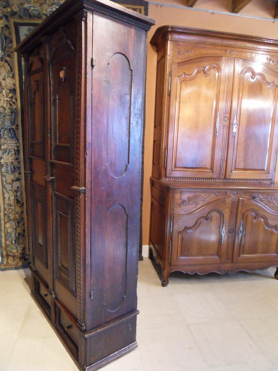 armoire dite d 39 apothicaire autres meubles. Black Bedroom Furniture Sets. Home Design Ideas