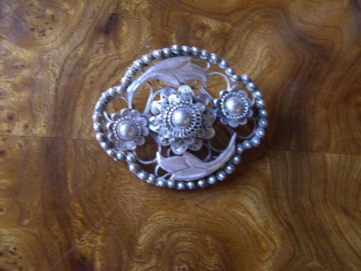 Silver Brooch Cisele From Siam