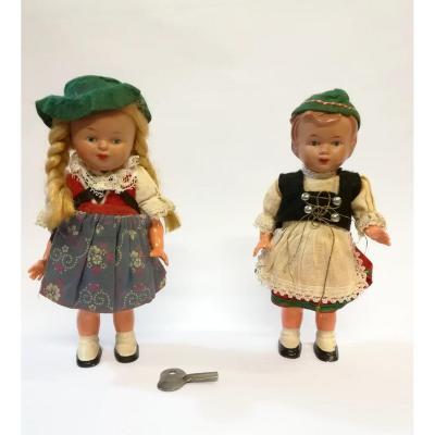 Paire De Petites Poupées Dansantes  Allemagne Années 50