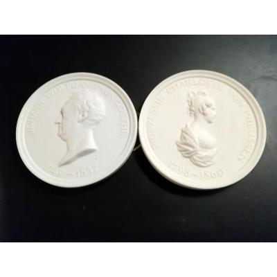 2 Médaillons En Porcelaine De Meissen 20ème