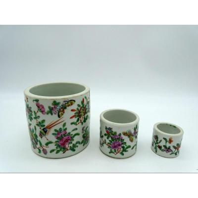 3 Vases Rouleaux En Porcelaine De Canton Milieu 20ème