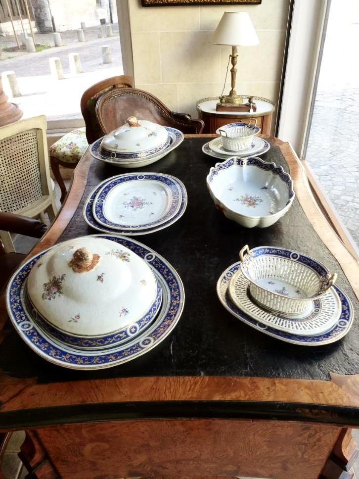 Partie De Service De Table En Porcelaine De Chine  Epoque XVIIIème Siècle