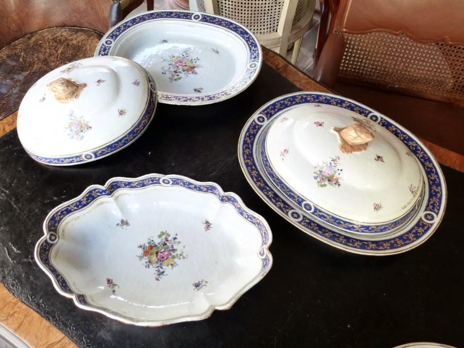 Partie De Service De Table En Porcelaine De Chine  Epoque XVIIIème Siècle-photo-2
