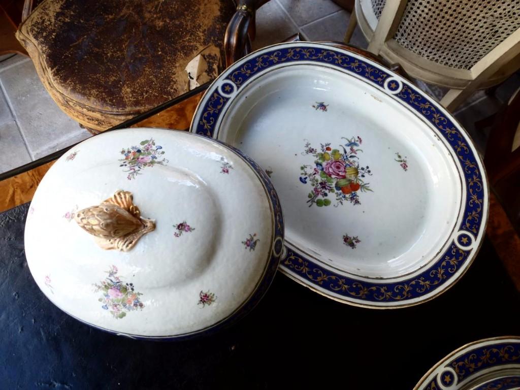 Partie De Service De Table En Porcelaine De Chine  Epoque XVIIIème Siècle-photo-3