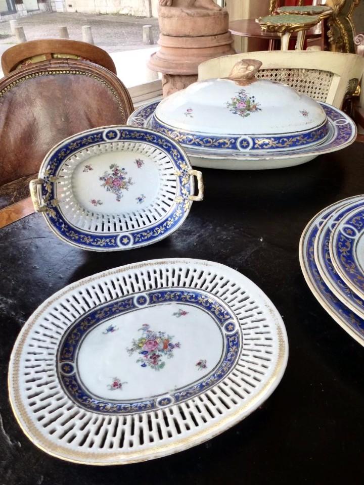 Partie De Service De Table En Porcelaine De Chine  Epoque XVIIIème Siècle-photo-5