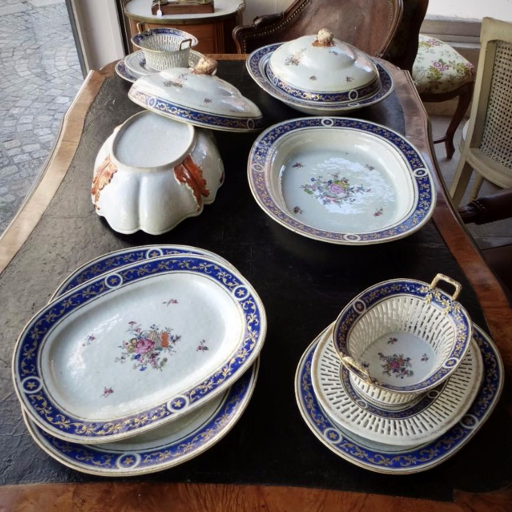 Partie De Service De Table En Porcelaine De Chine  Epoque XVIIIème Siècle-photo-6