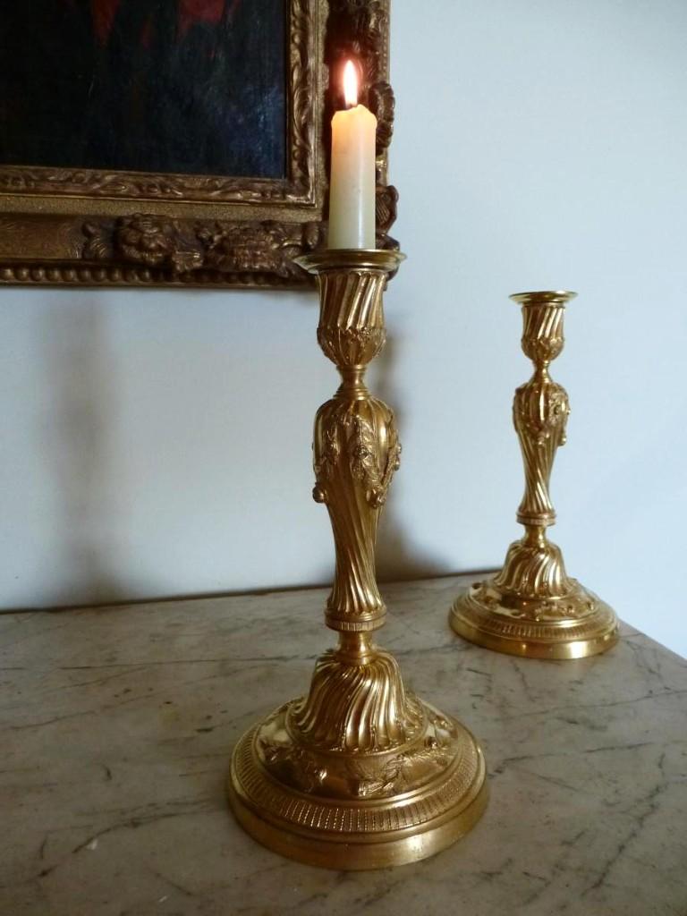 Paire De Bougeoirs En Bronze Doré Epoque Louis XVI
