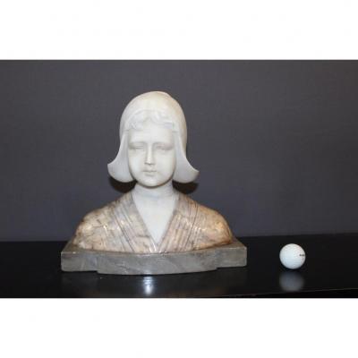 Buste En Albâtre Et Marbre Figurant Une Hollandaise Vers 1900