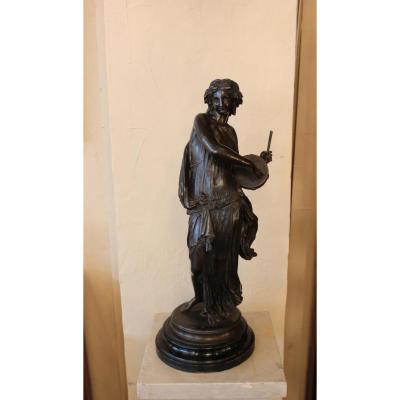 Statue Représentant La Joueuse Au Tambourin