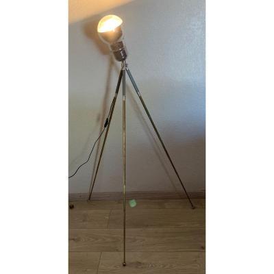 Lampe Vintage Sur Trépied