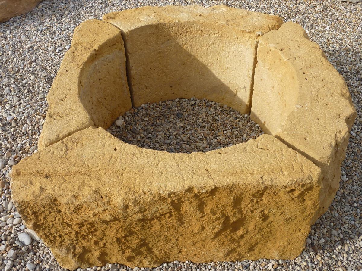 œils de bœuf en pierre datant du XVIIIéme S.