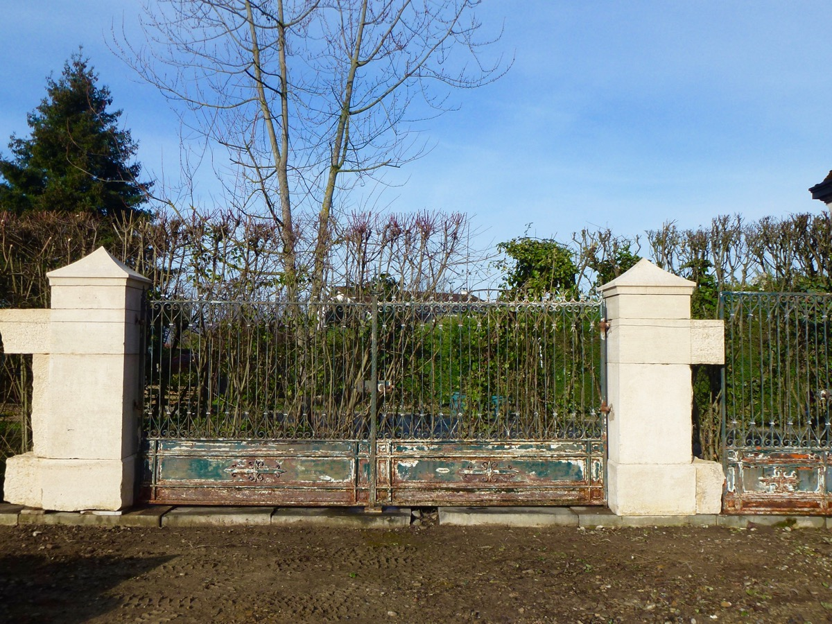 Entrance Of Property, Gate, Pipers And Gate XIXéme S.