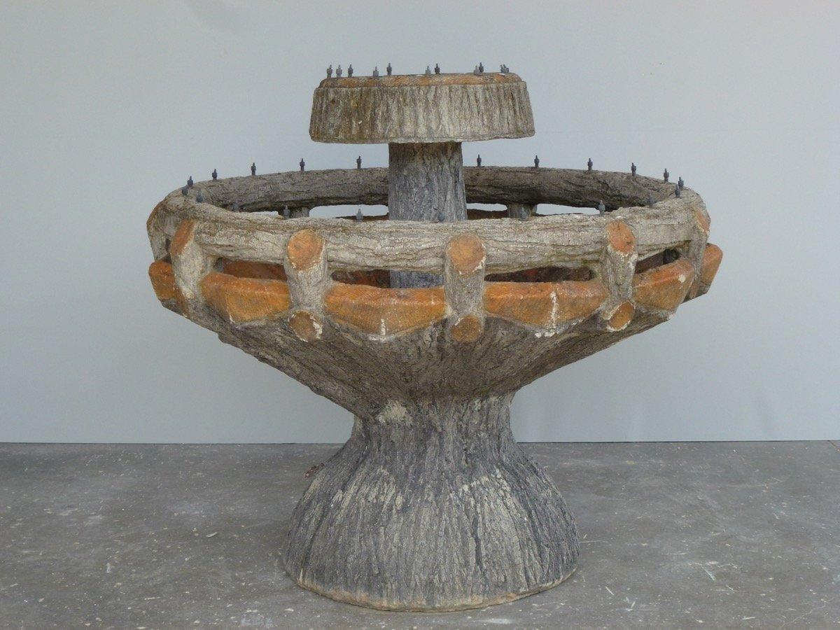 Fontaine en ciment façon