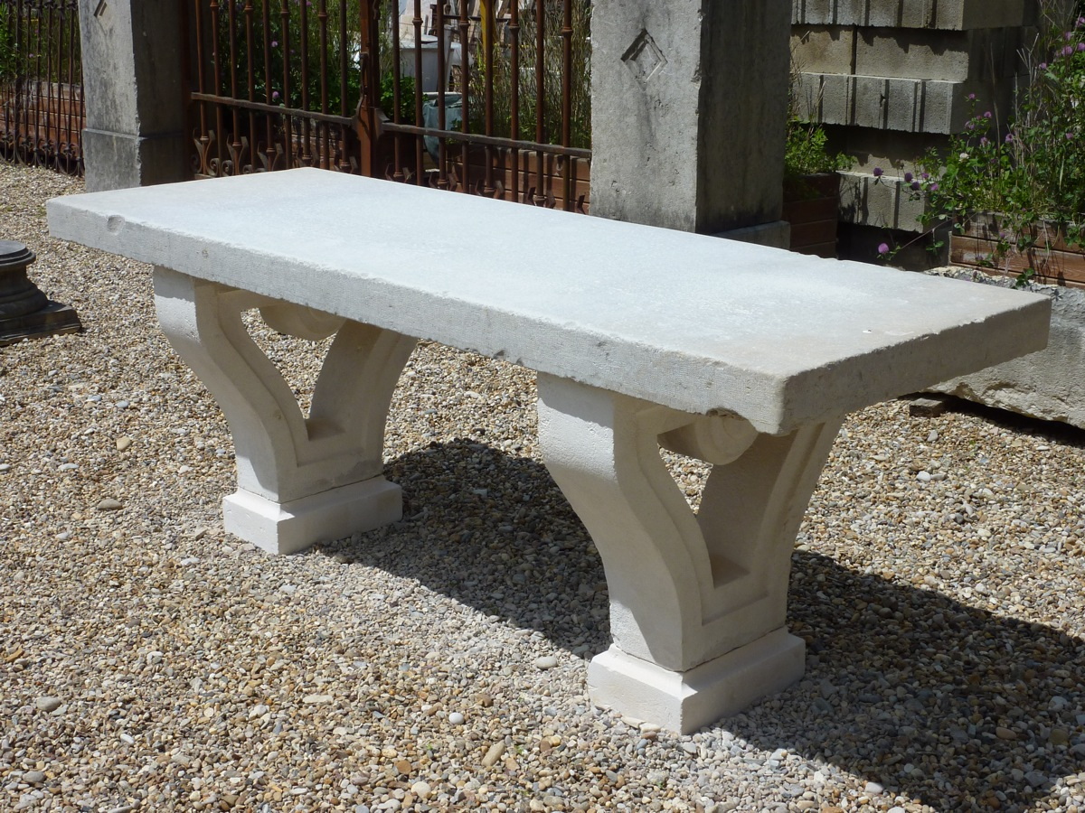 Table en pierre de parc pied lyre antiquit s du jardin for Table jardin en pierre