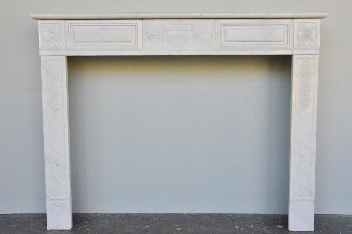 Cheminée marbre blanc d'époque Louis XVI