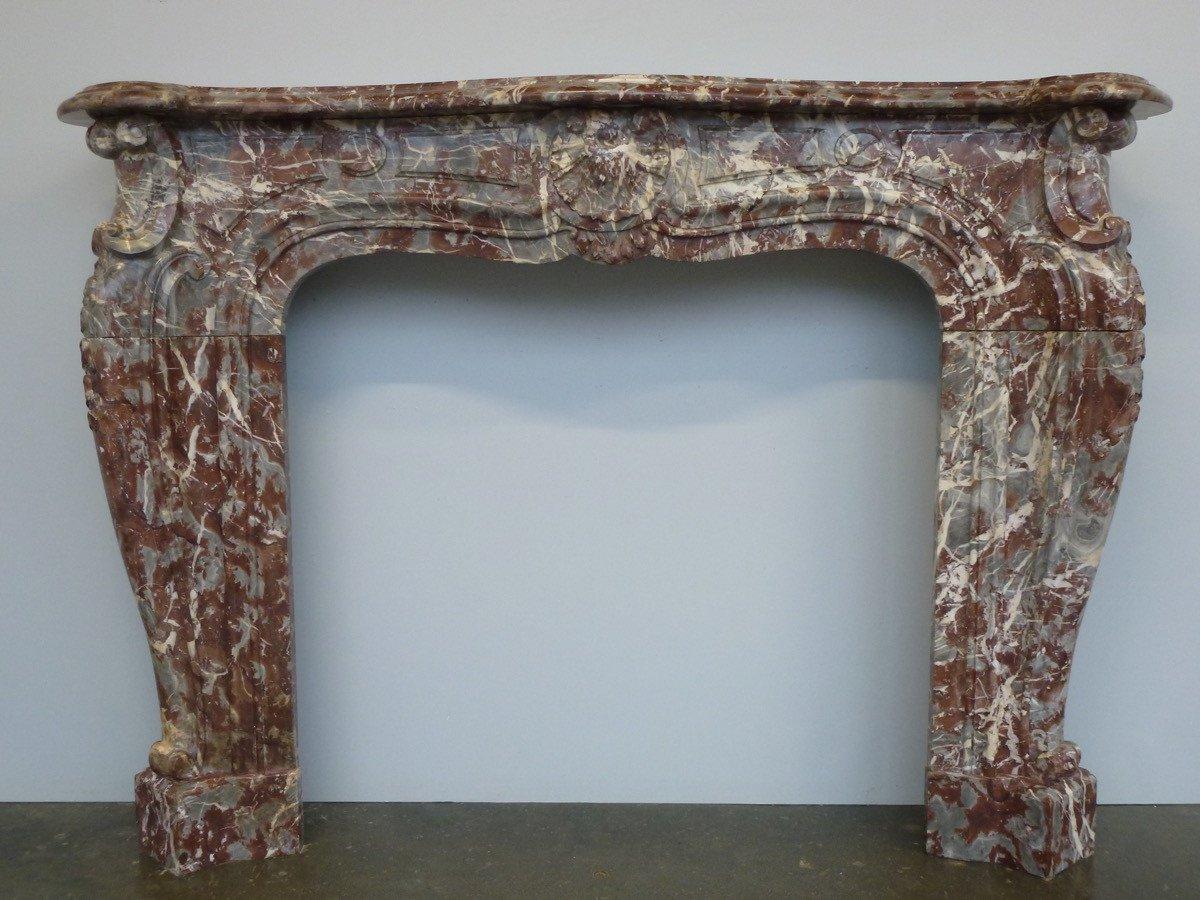 Cheminée en marbre rouge royal des Flandres de style Régence