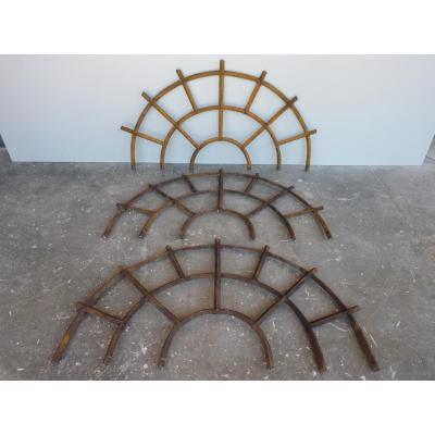 Grilles de défense datant du XVII e S.