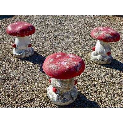 Trois tabourets champignon 1970