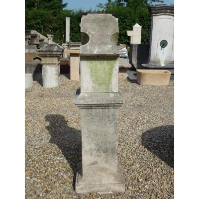 Cadran solaire ou bloc gnomonique en pierre XIXéme S.